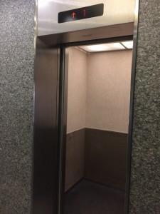 ⑪東豊ビル内エレベーター11