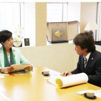 小池百合子東京都知事に「TOKYO医科歯科健康まつり2018」後援の謝意伝える